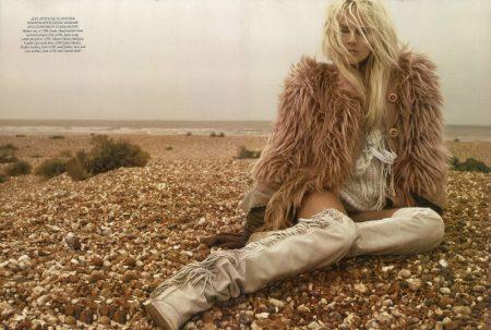 Lisanne de Jong by Miguel Reveriego for Harper's Bazaar UK November 2011