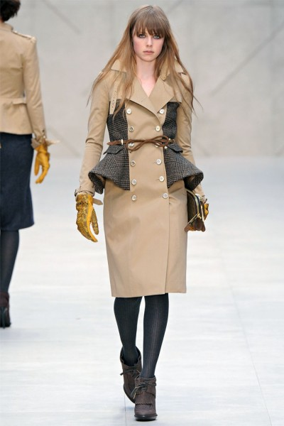 burberry25 400x600 Burberry Fall 2012 | London Fashion Week