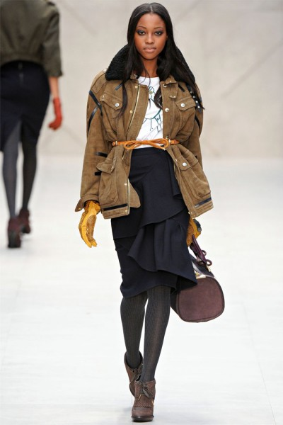 burberry26 400x600 Burberry Fall 2012 | London Fashion Week