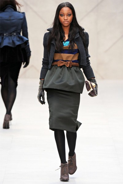 burberry44 400x600 Burberry Fall 2012 | London Fashion Week