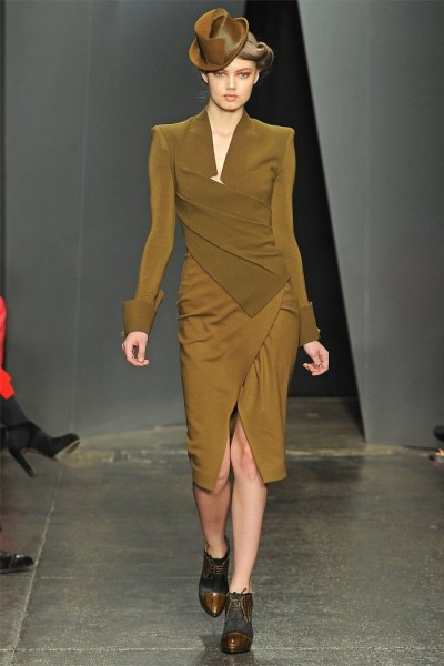donna karan111 400x600 Donna Karan Fall 2012 | New York Fashion Week