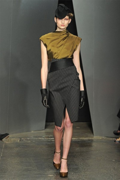 donna karan12 400x600 Donna Karan Fall 2012 | New York Fashion Week