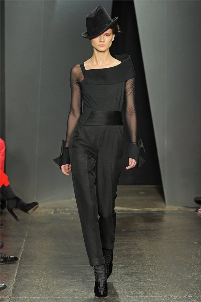 donna karan16 400x600 Donna Karan Fall 2012 | New York Fashion Week