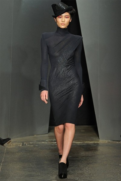 donna karan19 400x600 Donna Karan Fall 2012 | New York Fashion Week
