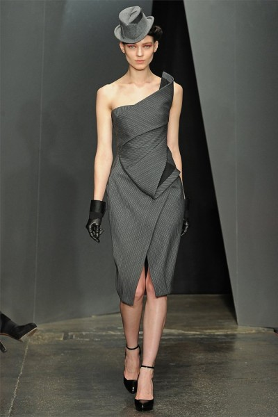 donna karan2 400x600 Donna Karan Fall 2012 | New York Fashion Week