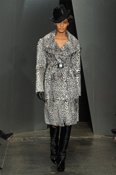 donna karan23 400x600 Donna Karan Fall 2012 | New York Fashion Week