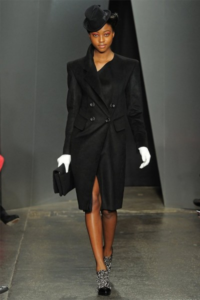 donna karan25 400x600 Donna Karan Fall 2012 | New York Fashion Week