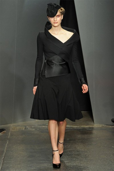 donna karan26 400x600 Donna Karan Fall 2012 | New York Fashion Week