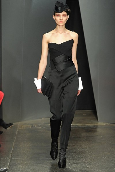 donna karan31 400x600 Donna Karan Fall 2012 | New York Fashion Week