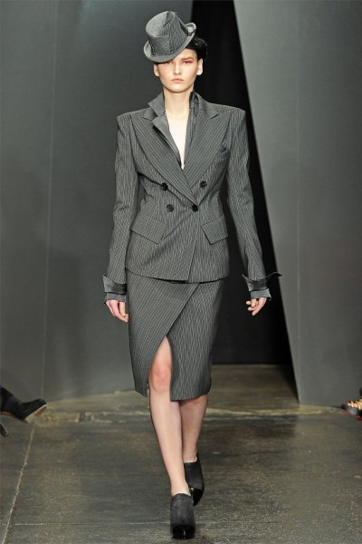 donna karan4 400x600 Donna Karan Fall 2012 | New York Fashion Week