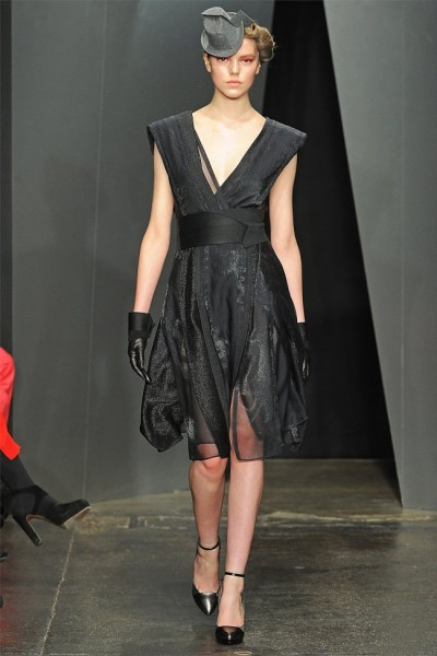 donna karan5 400x600 Donna Karan Fall 2012 | New York Fashion Week