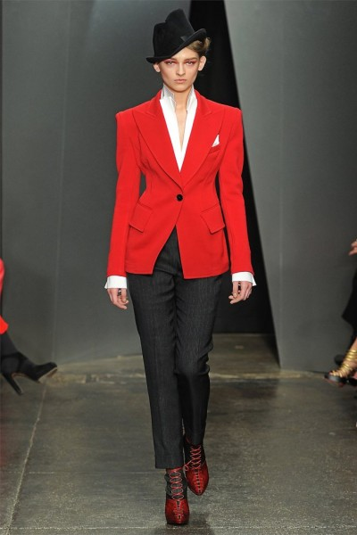 donna karan7 400x600 Donna Karan Fall 2012 | New York Fashion Week