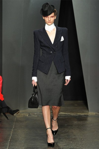 donna karan9 400x600 Donna Karan Fall 2012 | New York Fashion Week