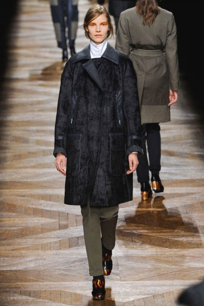 dries van noten17 400x600 Dries Van Noten Fall 2012 | Paris Fashion Week