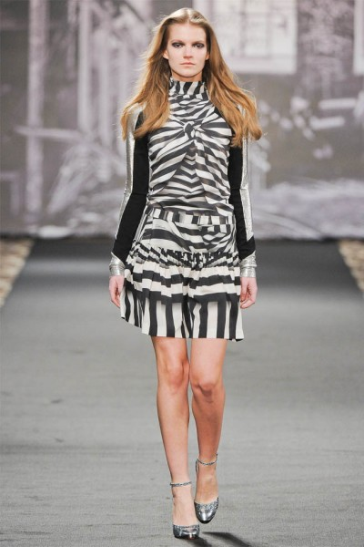 just cavalli2 400x600 Just Cavalli Fall 2012 | Milan Fashion Week