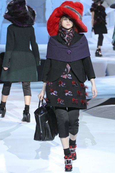 marc jacobs4 400x600 Marc Jacobs Fall 2012 | New York Fashion Week