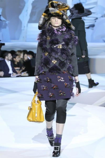 marc jacobs7 400x600 Marc Jacobs Fall 2012 | New York Fashion Week