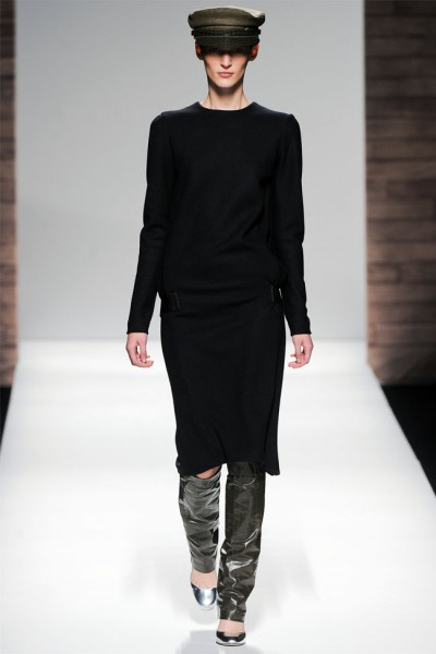 maxmara21 400x600 Max Mara Fall 2012 | Milan Fashion Week