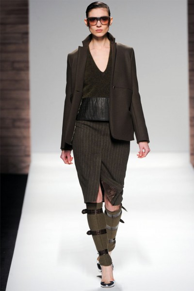 maxmara24 400x600 Max Mara Fall 2012 | Milan Fashion Week