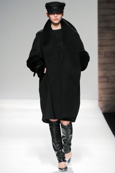 maxmara30 400x600 Max Mara Fall 2012 | Milan Fashion Week