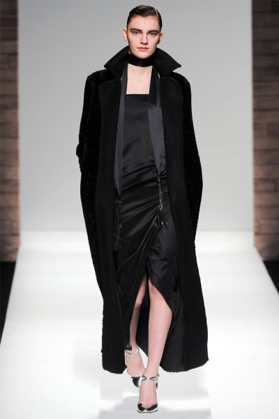 maxmara34 400x600 Max Mara Fall 2012 | Milan Fashion Week