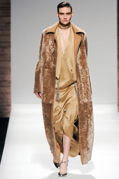 maxmara38 400x600 Max Mara Fall 2012 | Milan Fashion Week