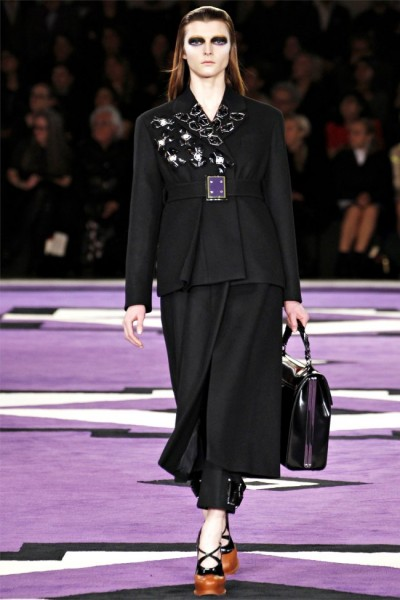 prada2 400x600 Prada Fall 2012 | Milan Fashion Week