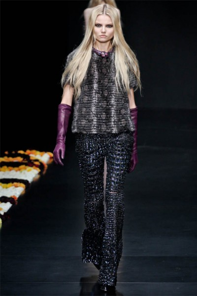 roberto cavalli11 400x600 Roberto Cavalli Fall 2012 | Milan Fashion Week