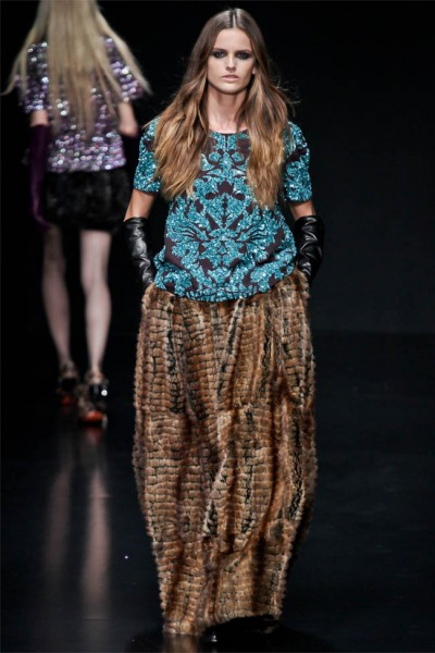 roberto cavalli12 400x600 Roberto Cavalli Fall 2012 | Milan Fashion Week