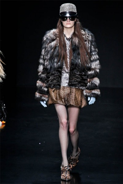 roberto cavalli18 400x600 Roberto Cavalli Fall 2012 | Milan Fashion Week
