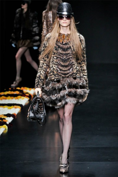 roberto cavalli20 400x600 Roberto Cavalli Fall 2012 | Milan Fashion Week