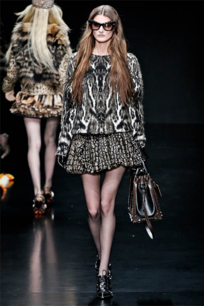 roberto cavalli24 400x600 Roberto Cavalli Fall 2012 | Milan Fashion Week
