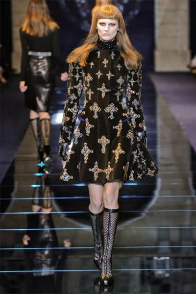 versace13 400x600 Versace Fall 2012 | Milan Fashion Week