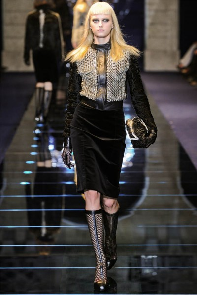 versace18 400x600 Versace Fall 2012 | Milan Fashion Week