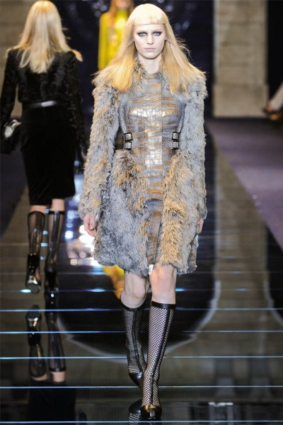 versace19 400x600 Versace Fall 2012 | Milan Fashion Week
