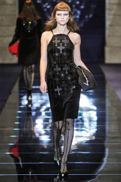 versace2 400x600 Versace Fall 2012 | Milan Fashion Week