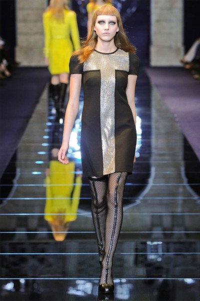 versace21 400x600 Versace Fall 2012 | Milan Fashion Week