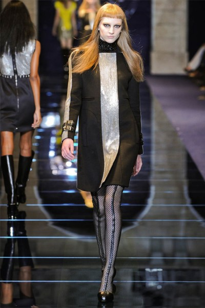versace24 400x600 Versace Fall 2012 | Milan Fashion Week