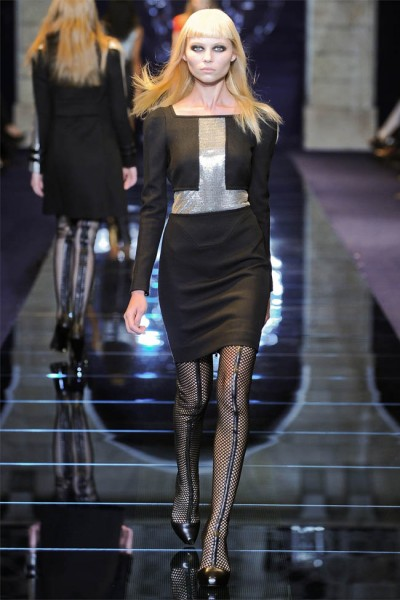 versace25 400x600 Versace Fall 2012 | Milan Fashion Week