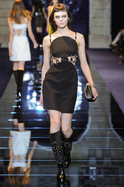 versace34 400x600 Versace Fall 2012 | Milan Fashion Week