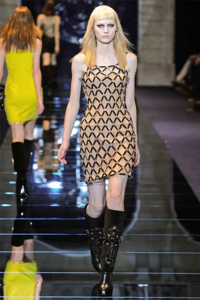 versace36 400x600 Versace Fall 2012 | Milan Fashion Week