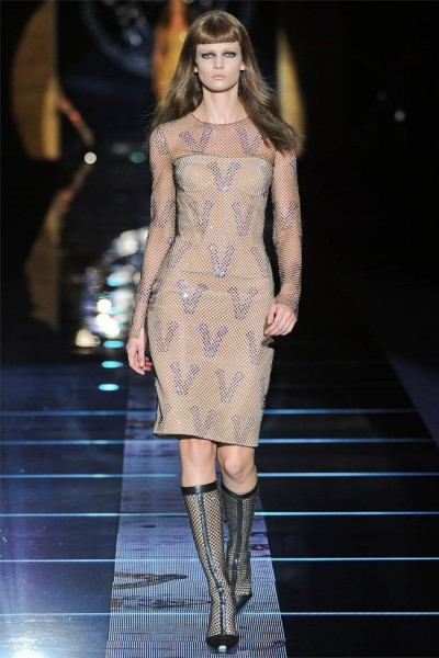 versace39 400x600 Versace Fall 2012 | Milan Fashion Week