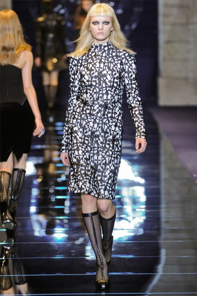 versace6 400x600 Versace Fall 2012 | Milan Fashion Week