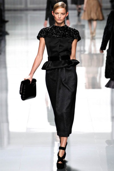 dior37 400x600 Christian Dior Fall 2012 | Paris Fashion Week