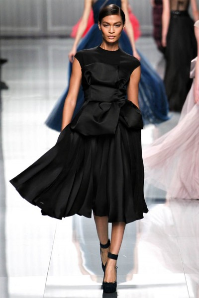 dior52 400x600 Christian Dior Fall 2012 | Paris Fashion Week