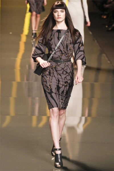 elie saab25 400x600 Elie Saab Fall 2012 | Paris Fashion Week