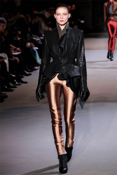 haider ackermann22 400x600 Haider Ackermann Fall 2012 | Paris Fashion Week
