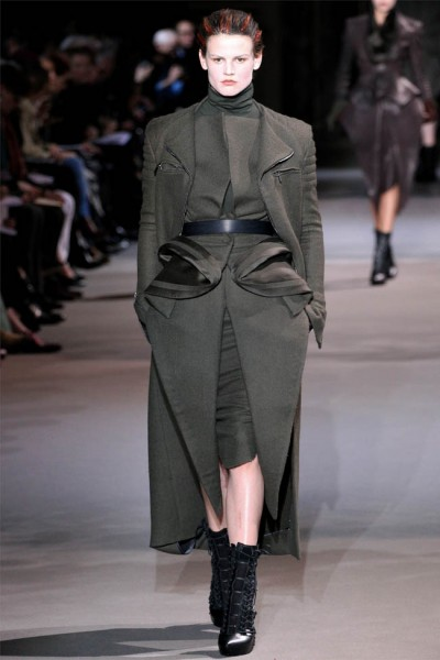 haider ackermann3 400x600 Haider Ackermann Fall 2012 | Paris Fashion Week