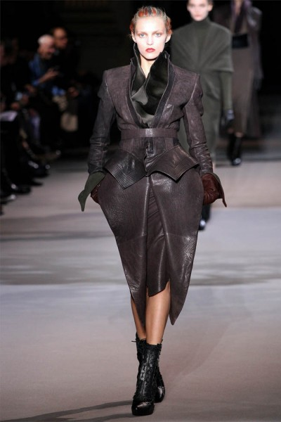 haider ackermann4 400x600 Haider Ackermann Fall 2012 | Paris Fashion Week