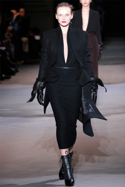 haider ackermann8 400x600 Haider Ackermann Fall 2012 | Paris Fashion Week